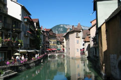 old town lake Annecy